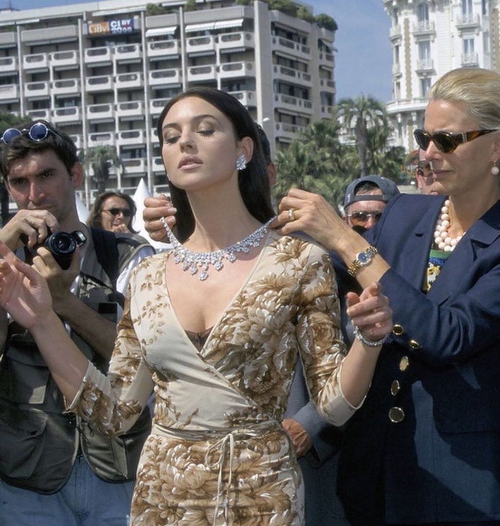 monica bellucci 7 iconic outfits, cannes 1997, cartier, diamond choker